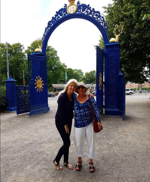 På stan med min vackra mamma 😊