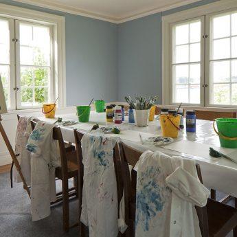 Konstkurs för barn: måleri och modellering