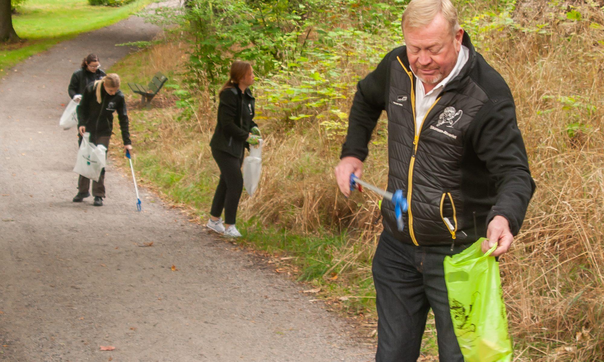 Hela Sverige plockar skräp på DJurgråden
